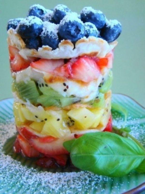 ce893a1c5801b8a6e1406456054801de--fruit-trifle-fruit-parfait.jpg